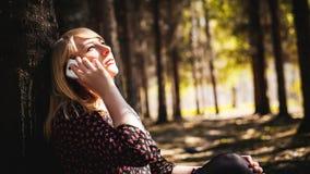 Porträt von Blondinen im Sommerkleid Lizenzfreie Stockfotos