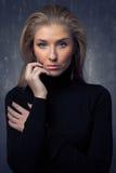 Porträt von emotionalem bilden blondes Mädchen Stockfotos