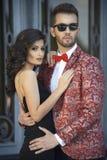 Porträt von jungen eleganten Paaren in der Liebe Lizenzfreie Stockfotos