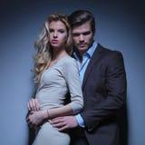 Porträt von jungen Paaren in der Liebe stockbilder
