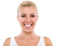 Porträt von lächelnden großen Zähnen der Frau stockfotos
