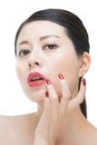 Porträt von Lippenstift-Asiatsfrauen des Sinnlichkeitszaubers roten stockbilder