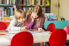 Porträt von netten Kleinkindern Lizenzfreies Stockfoto