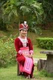 Porträt von nicht identifizierten H'mong-Mädchen, die Trachtenkleid tragen Lizenzfreie Stockfotos