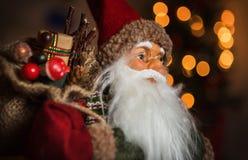 Porträt von Santa Claus-Puppe Lizenzfreies Stockbild