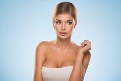 Porträt von schönen Blondinen Stockfotos