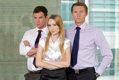 Porträt von Unternehmensleitern im Büro Stockfotos