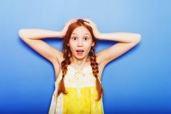 Porträt von wenig Mädchen mit 10-Jährigen stockfotografie