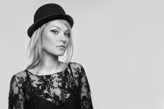 Portrait étroit d'une belle blonde Images libres de droits