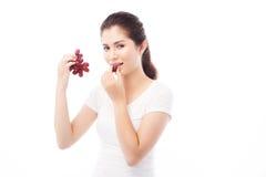 Portrait asiatique de concept de régime de femme avec le fruit de raisin rouge Images libres de droits