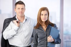Portrait of attractive casual businesspeople Royalty Free Stock Photos