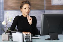 Portrait of attractive working businesswoman Royalty Free Stock Photography