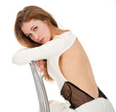 Portrait attrayant de jeune femme dans le studio Image stock