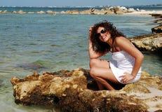 Portrait auf einem Strand stockbild