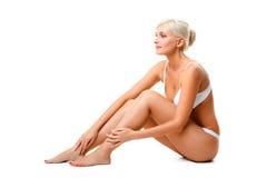 Portrait blanc de port de sous-vêtements de femme Photo libre de droits