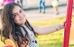 Portrait blanc de sourire heureux de fille Images libres de droits