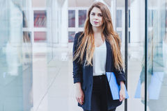 Portrait of business woman. Looking at the camera Royalty Free Stock Photos