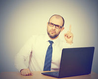 Portrait of businessman pointing finger up Royalty Free Stock Photos