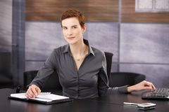 Portrait of businesswoman at work Royalty Free Stock Photos