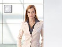 Portrait of confident businesswoman smiling Royalty Free Stock Photos