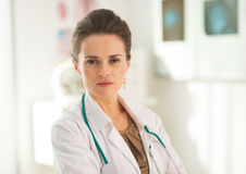 Portrait of confident doctor woman in office Royalty Free Stock Photos