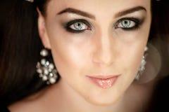 Portrait créatif de modèle dans le studio Style, mode, beauté Image stock