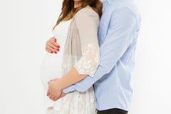 Portrait cultivé de belle femme enceinte et son de mari beau étreignant le ventre Concept d'amour Événement heureux, naissance d' images stock