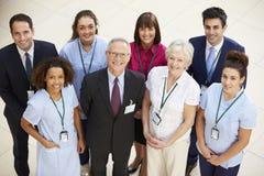 Portrait d'équipe médicale d'hôpital photographie stock libre de droits