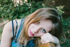 Portrait d'été d'un modèle Images stock