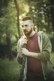 Portrait d'été de jeune mâle barbu image libre de droits