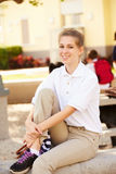 Portrait d'étudiant féminin Wearing Uniform de lycée images libres de droits