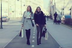 Portrait d'automne d'une promenade dans la ville Photo stock