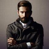 Portrait d'homme bel avec la barbe Images stock