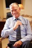 Portrait d'homme d'affaires Sitting In Chair image stock