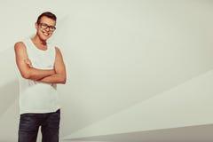 Portrait d'homme mignon souriant Photographie stock