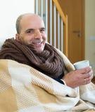 Portrait d'homme plus âgé malade Image libre de droits