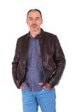 Portrait d'homme sûr dans la veste en cuir Images libres de droits