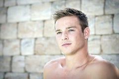 Portrait d'homme sans chemise Image libre de droits
