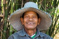 Portrait d'homme supérieur asiatique amical Photographie stock libre de droits