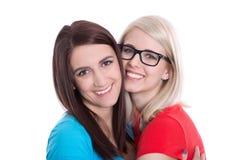 Portrait d'isolement de deux amies heureuses. Images libres de droits