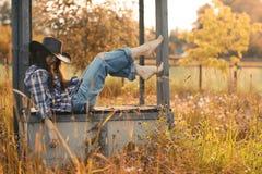 Portrait d'un agriculteur de jeune femme image stock