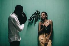 Portrait d'un beau couple d'Afro-américain images libres de droits