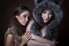 Portrait d'un beau jeune deux filles Photo stock