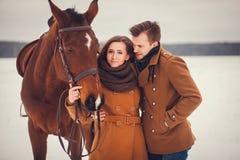 Portrait d'un couple élégant Photos stock