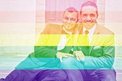 Portrait d'un couple masculin gai affectueux leur jour du mariage Photographie stock libre de droits