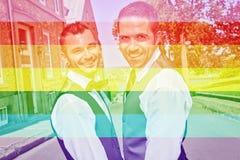 Portrait d'un couple masculin gai affectueux leur jour du mariage Image stock
