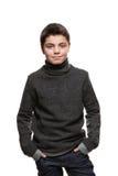 Portrait d'un garçon de l'adolescence dans le studio photo libre de droits