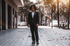 Portrait d'un homme d'affaires asiatique dehors image libre de droits