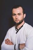 Portrait d'un homme avec un plan rapproché de barbe Images libres de droits