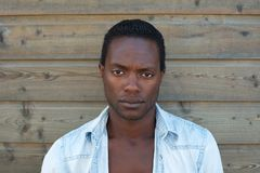 Portrait d'un homme de couleur images stock